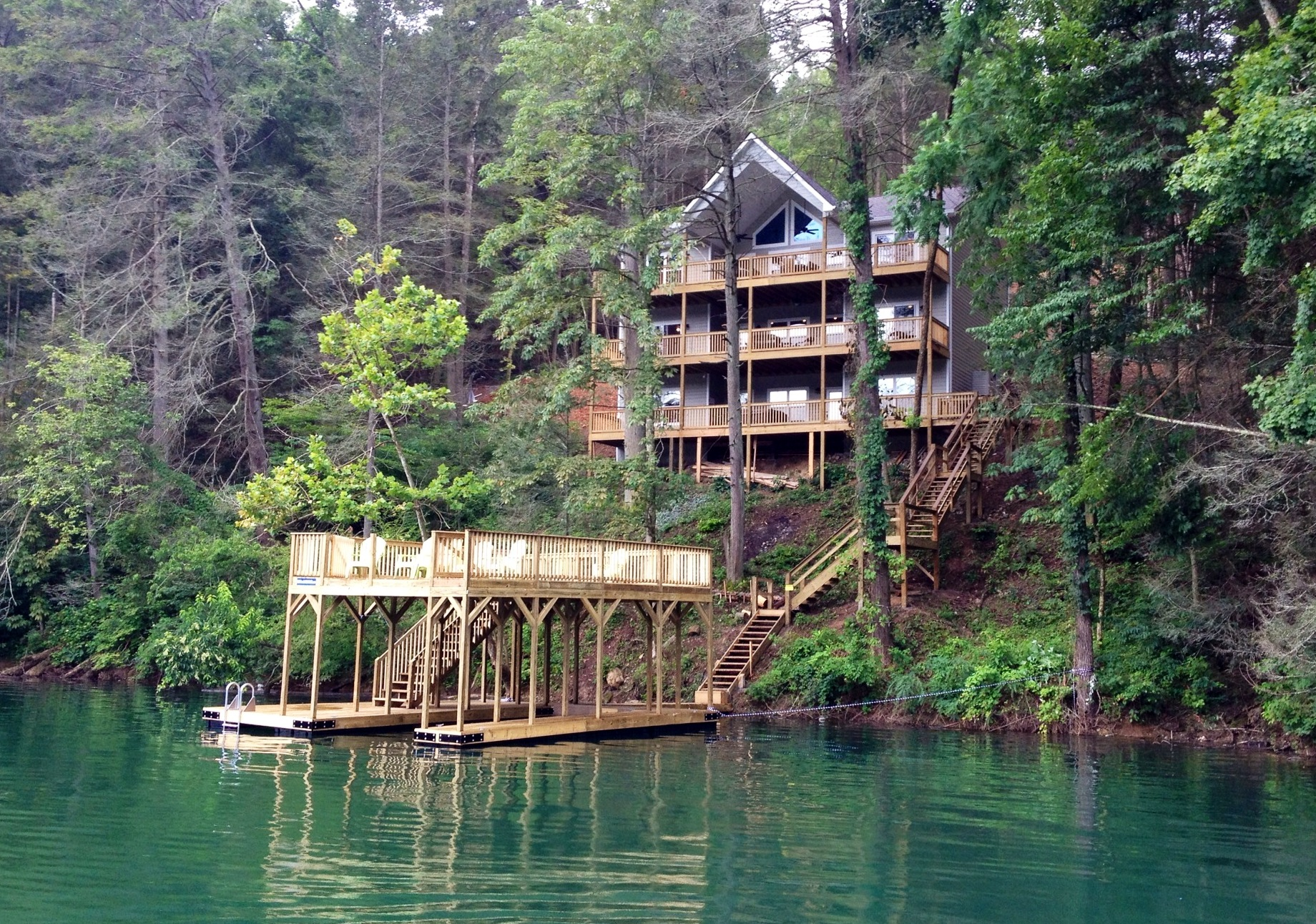 Southern comfort i and ii on norris lake rent our lake for Lake house property